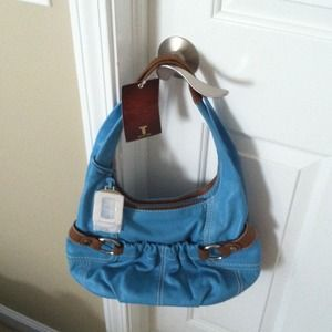 REDUCED - 100% leather Tiganenllo bag