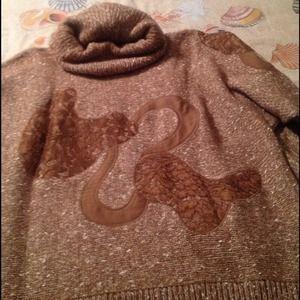 Sweaters - Medium brown sweater