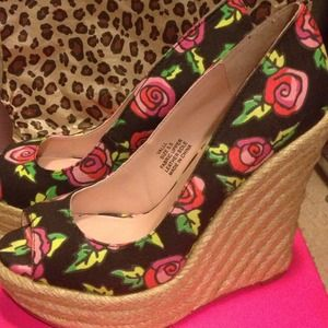 Betsey Johnson Shoes - 🎀Betsey Johnson floral wedges