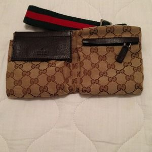 100% brand NEW auth.  Gucci belt bag