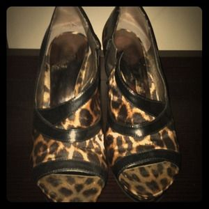 Leopard Carlos by Carlos Santana shoes
