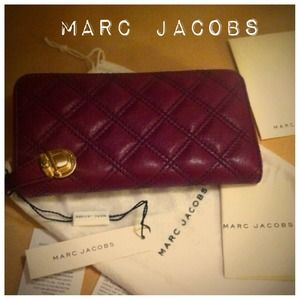 Marc Jacobs Clutches & Wallets - Garnet Marc Jacobs Lamb leather wallet