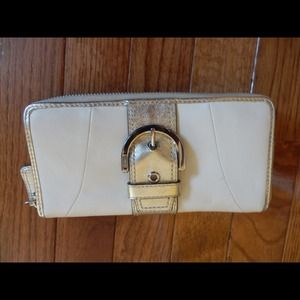 REDUCED!!!!! Auth. Coach!!
