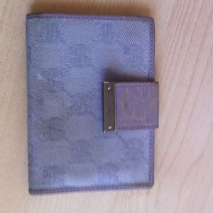 Gucci Clutches & Wallets - Gucci purple pocket wallet