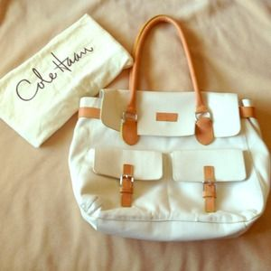 Cole Haan Leather shoulder bag.