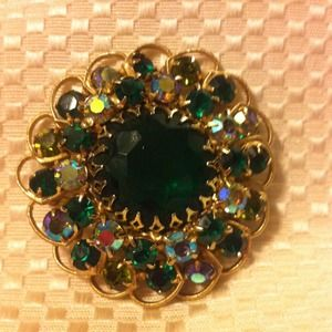 Accessories - Gold and green broach