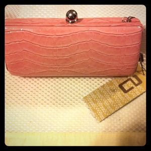 Clutches & Wallets - Pink clutch