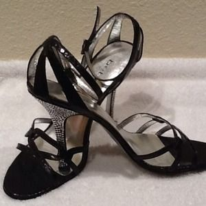 Black  shoes with rhinestones on the hill size 9