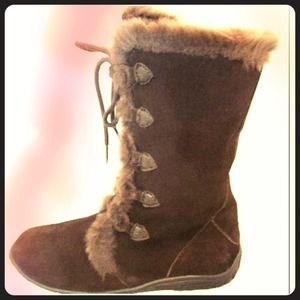 NEW White Mountain Nighthawk Chocolate Suede Boots