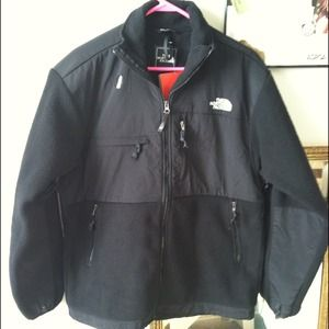 North Face Outerwear - $15 CREDIT IN MY CLOSET W/THIS  North Face Denali