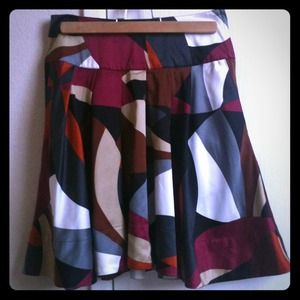 H&M Dresses & Skirts - H&M geometric pattern skirt
