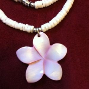 Jewelry - Flower Shell Necklace