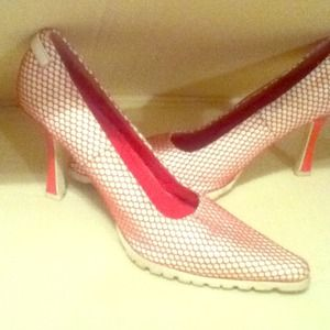 Shoes - Pink/White pumpsreserved