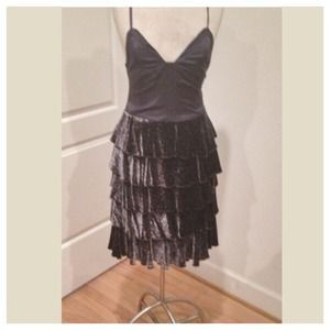 Marc Jacobs Dresses & Skirts - STUNNING RARE MARC JACOBS Gorgeous tiered dress