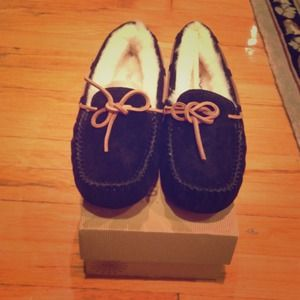 UGG Shoes - Brand New UGG Dakota Moccasin