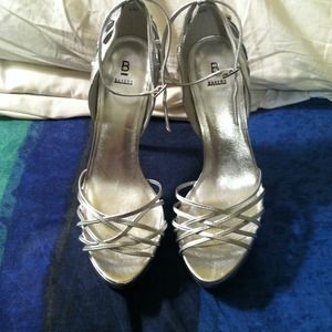 bakers Shoes - Silver strappy bakers herls