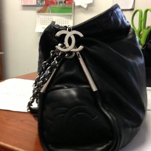 Lambskin Authentic Chanel Purse