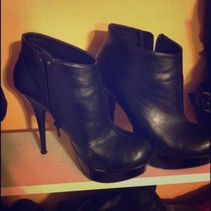 Shoes - Size 7 Ankle Boots