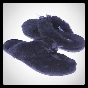 UGG Shoes - UGG Flip flop slipper