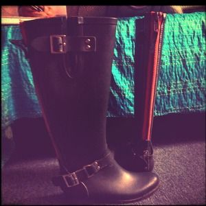 Boots - Steve Madden olive green rain boots⚡$$  reduced⚡