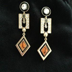 Jewelry - Jewelmint bundle. 2 earrings.