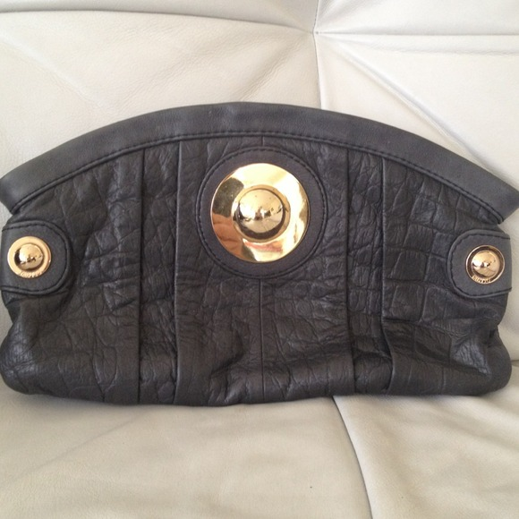 Gussto Handbags - Gussto- clutch. Navy almost black