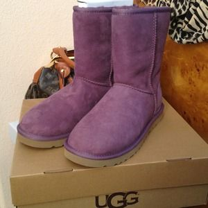 UGG Boots - Ugg classic short plum size 7