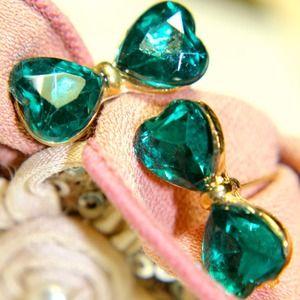 Jewelry - My Emerald Green Bow