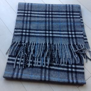 Burberry Accessories - ❌SOLD❌ Burberry cashmere check scarf