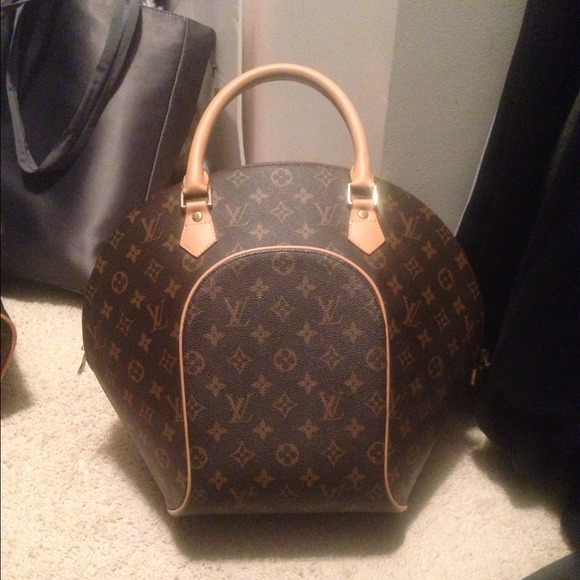 a0eaf81d0 Louis Vuitton Bags | Lv Large Bowling Bag Purse | Poshmark