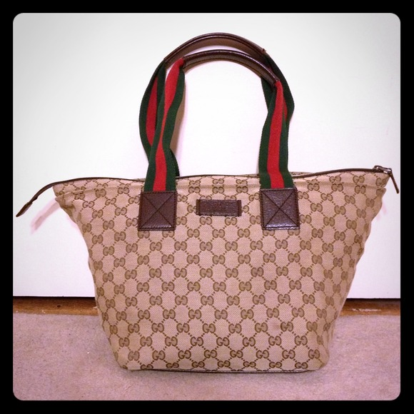 520f7bf403d1 Gucci Bags   Handbag   Poshmark