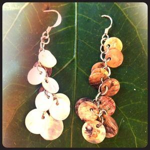 Jewelry - 👍2 Pairs of Beautiful Iridescent Earrings💐