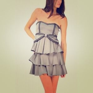 Dresses & Skirts - Gray Ruffle Dress w/ Black Trim