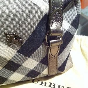 Burberry Handbags - Burberry mini handheld bag<3