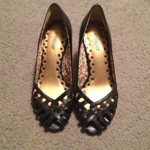 GREAT CONDITIONSeychelles black heels