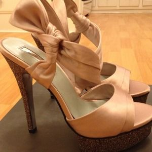 Shoes - Never been worn H by Halston Heels 3