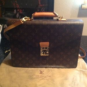 Louis Vuitton Handbags - LV briefcase