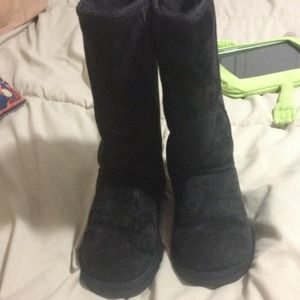 💃💃🎀🎀Reduce ***Ugg tall boots size 6 black🎀🎀