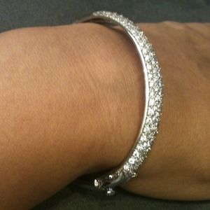 Sterling silver cz bangle with double clasps💎💎💎