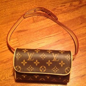 Louis Vuitton Clutches & Wallets - 🚫SOLD🚫LV purse