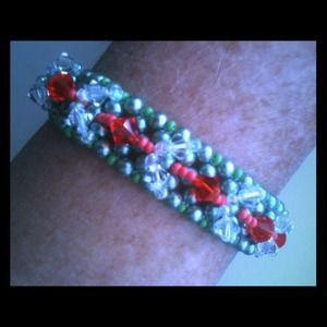 Jewelry - Hand-made Pearl & Crystal Bracelet