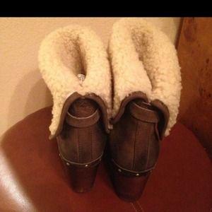 UGG Boots - SOLD Ugg boots lynnea II