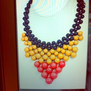 Jewelry - Multi color beaded statement necklace