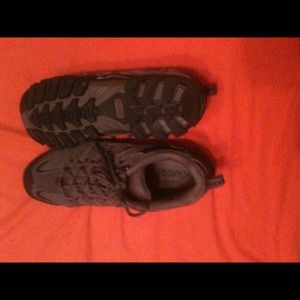 Nevados Shoes - Nevados hiking style shoes