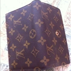 l v Clutches & Wallets - Lv wallet. ( best offer )
