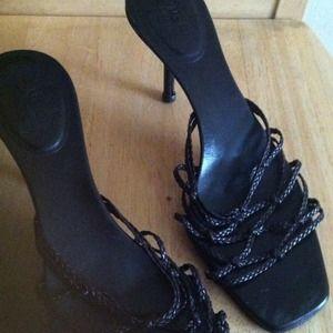 Gucci strappy sandal shoe