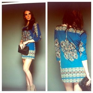 Dresses & Skirts - Blue Aztec print dress