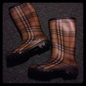 Burberry  Boots - Burberry rainboots💕