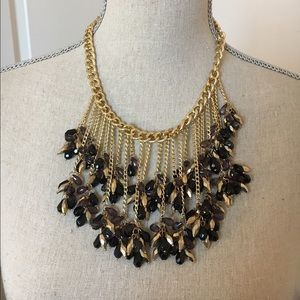 Jewelry - Beautiful gold cocktail necklace.