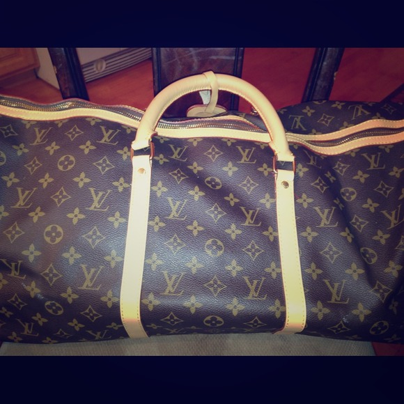 1a3e30e0e43e Louis Vuitton Handbags - Louis Vuitton Duffle Bag Replica